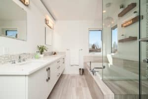 Remodeled Bathroom that it free from mold