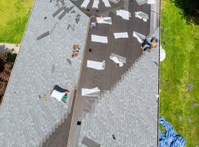 roofing company at work