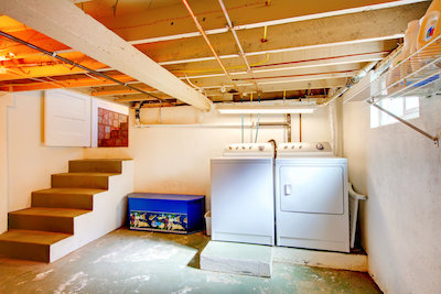 How to Fix Smelly Crawl Space